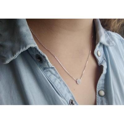 collier femme avec pendentif rond en argent et oxyde de zirconium