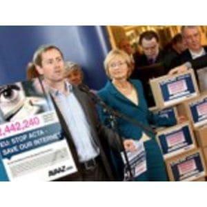 Avaaz contre le traité ACTA
