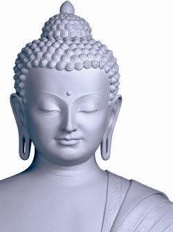 statut de bouddha aux lobes allongés
